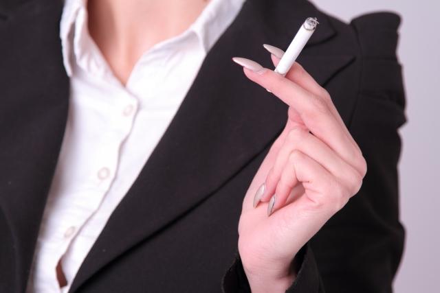 喫煙により肌がダメージを受けていることをご存じですか?