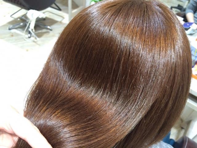 サラサラな髪・ツヤツヤな髪・しっとりな髪になるための一手間!美しい髪で実年齢よりも若く見られちゃいましょう!